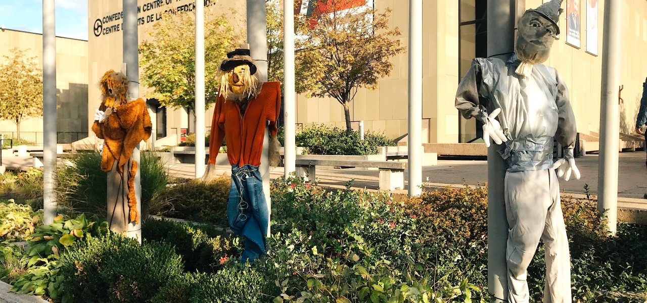 16 Ways to Have a Wacky Time at Scarecrows in the City